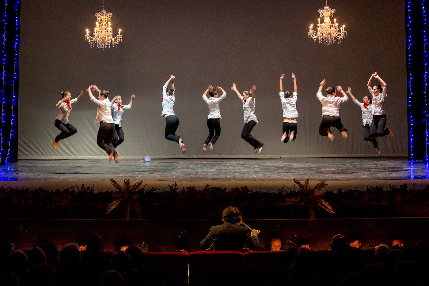 <div class='foto_id' style='display:none'></div>Dance on Theater ©